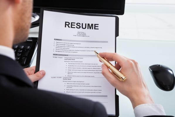 Never Fib or Stretch the Truth on Your Résumé or in Interviews