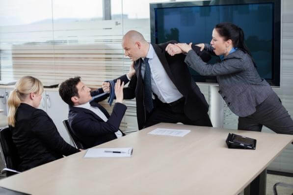 if-my-boss-gets-mad-at-me-or-i-get-a-poor-review-does-this-mean-i-should-look-for-a-new-job